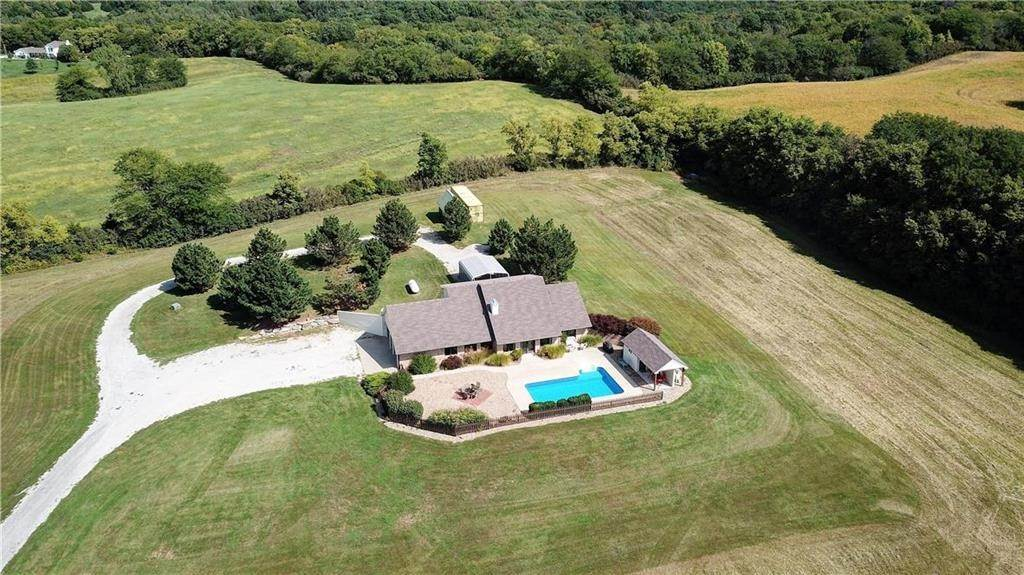 Single Family Homes for Sale at 21550 County Road H Highway Weston, Missouri 64098 United States