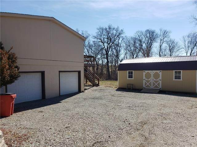 Single Family Homes for Sale at 31901 Sun Down Valley Road 31901 Sun Down Valley Road Buckner, Missouri 64016 United States
