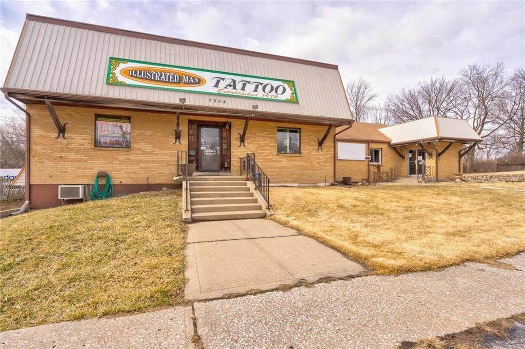 Commercial / Office for Sale at 7504 N Oak Trafficway Gladstone, Missouri 64118 United States
