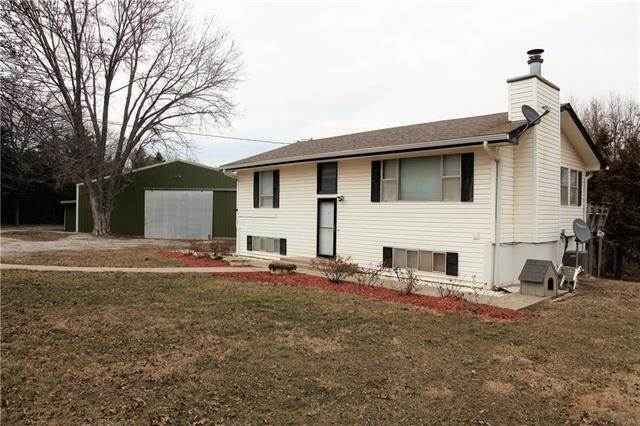 Single Family Homes for Sale at 3467 Cumberland Road Bates City, Missouri 64011 United States