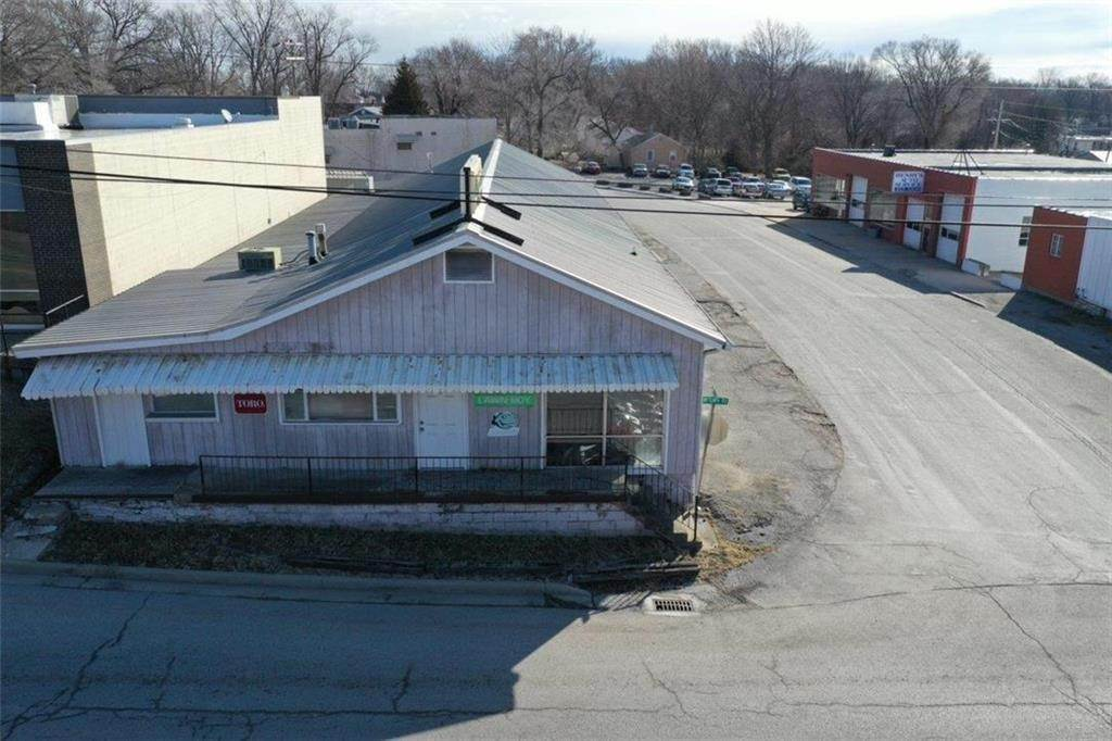 Commercial for Sale at 6337 Raytown Road Raytown, Missouri 64133 United States