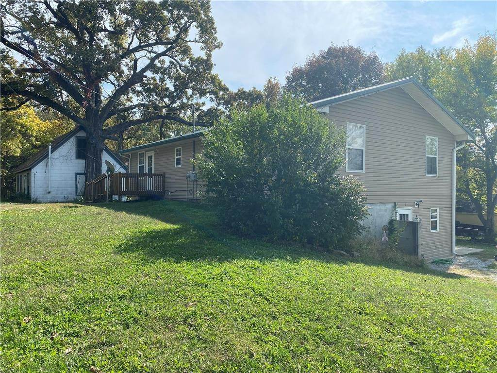 Residential Income for Sale at 301 Jackson Street Freeman, Missouri 64746 United States