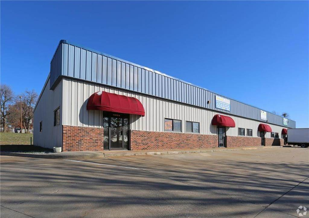 Retail - Commercial for Sale at 11230 E M 350 Highway Raytown, Missouri 64138 United States