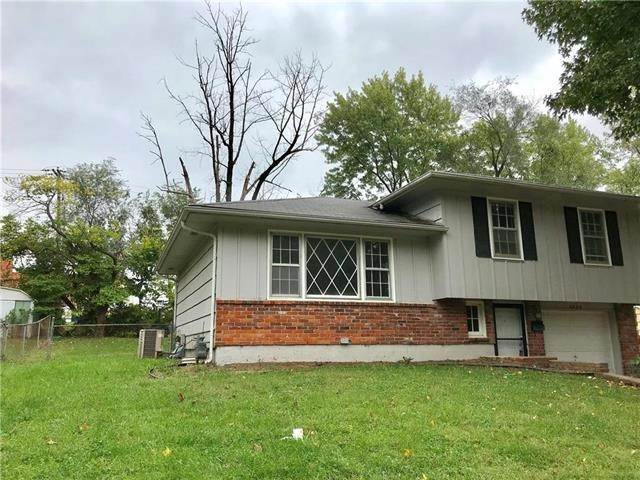 Residential Income for Sale at 10217 E 70th Terrace Raytown, Missouri 64133 United States