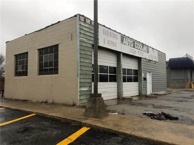 Retail - Commercial for Sale at 9100 E M 350 Highway Raytown, Missouri 64123 United States
