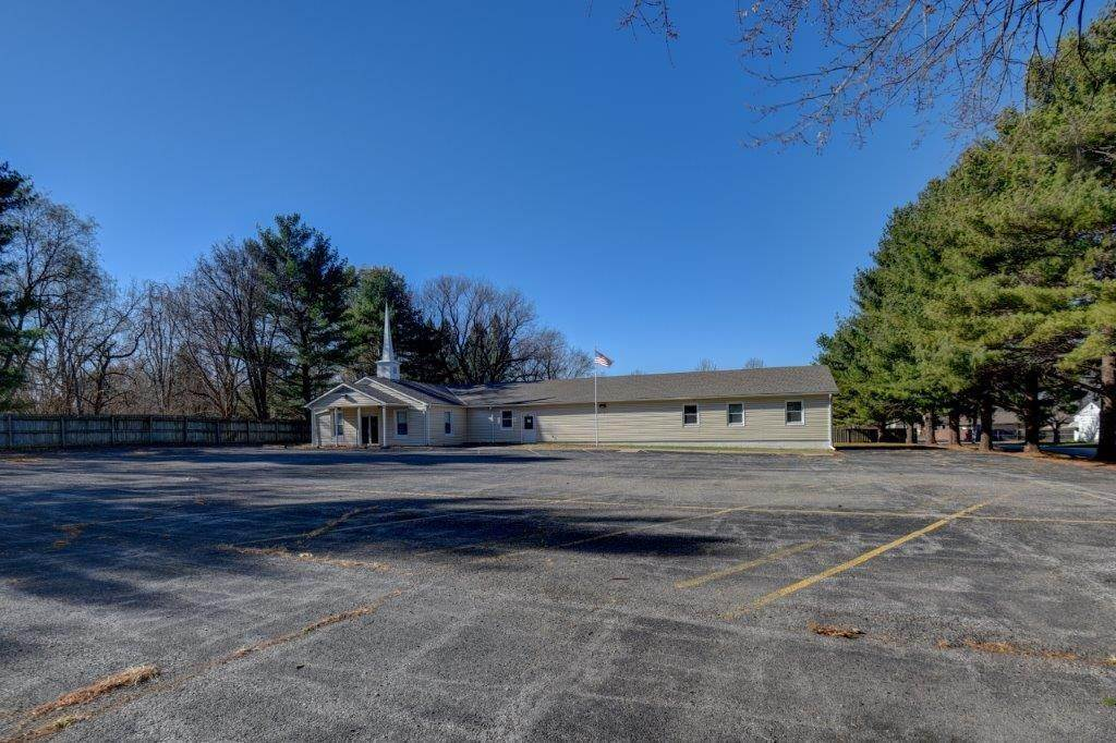 Commercial for Sale at 206 Sibley Street Buckner, Missouri 64016 United States