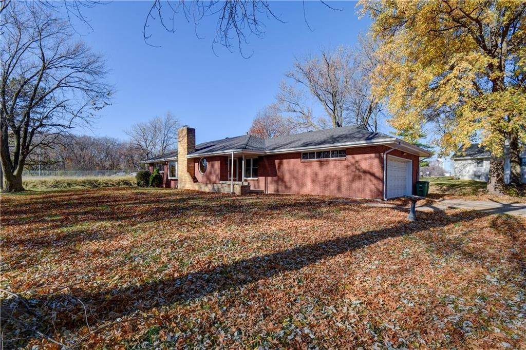 Single Family Homes for Sale at 6103 Osage Drive Platte Woods, Missouri 64151 United States