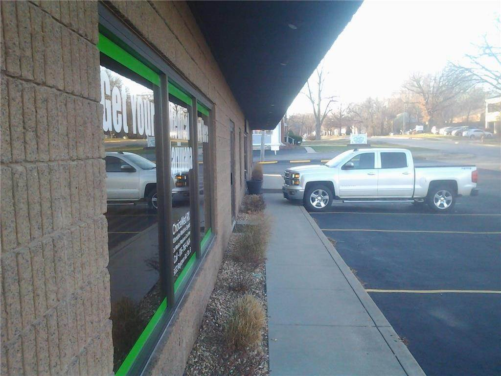 Commercial for Sale at 6632 Raytown Road Raytown, Missouri 64133 United States